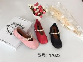平头女童皮鞋